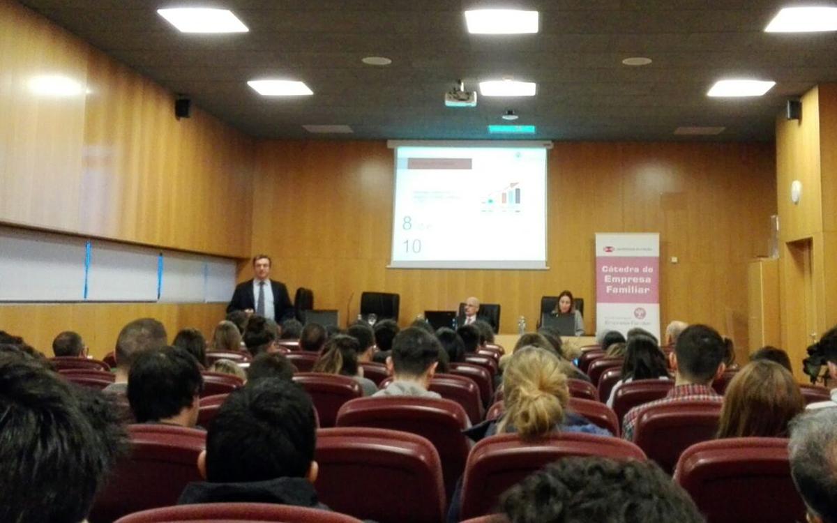 Víctor Nogueira inaugura el Ciclo de Conferencias de Empresa Familiar en la UDC